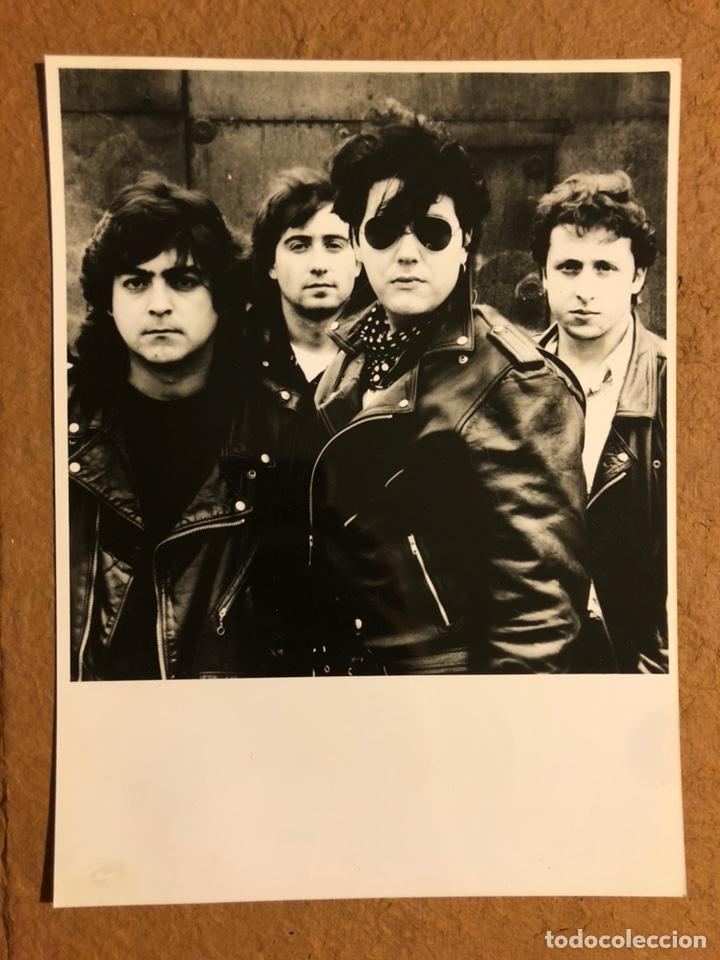 COMITÉ CISNE. FOTOGRAFÍA PROMOCIONAL EN B/N DE LOS AÑOS 80. (Música - Fotos y Postales de Cantantes)