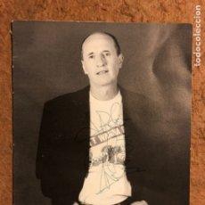 Fotos de Cantantes: MICKY. FOTOGRAFÍA PROMOCIONAL DEDICADA CON AUTÓGRAFO.. Lote 198669538