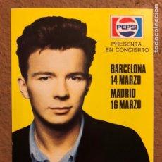 Fotos de Cantantes: RICK ASTLEY. POSTAL CIRCULADA PROMOCIONAL DE PEPSI GIRA ESPAÑOLA.. Lote 199169728