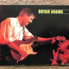 Fotos de Cantantes: BRYAN ADAMS. POSTAL CIRCULADA PROMOCIONAL GIRA ESPAÑA 1988. BILBAO, BCN Y MADRID. DR. MUSIC. Lote 200865036