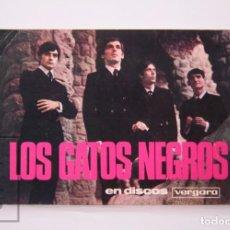 Fotos de Cantantes: POSTAL PUBLICITARIA FIRMADA / DEDICADA - GRUPO DE MÚSICA LOS GATOS NEGROS - DISCOS VERGARA, AÑOS 60. Lote 204246300