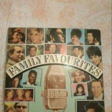 Fotos de Cantantes: CAJA 8 VINILOS FAMILY FAVOURITES 1985. Lote 210979126