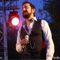 Fotos de Cantantes: EL CANTANTE LITUS RUIZ NOS DONA UN UKELELE. Lote 210980896