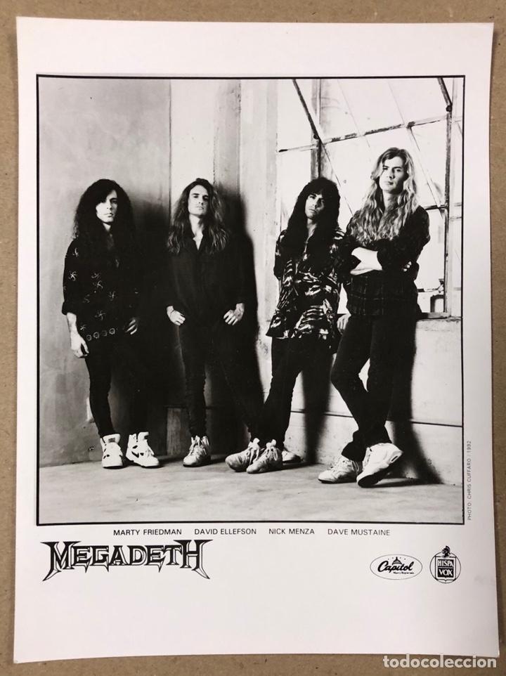 MEGADETH. FOTOGRAFÍA PROMOCIONAL B/N DISCOGRÁFICA CAPITOL RECORDS HISPAVOX (1992). (Música - Fotos y Postales de Cantantes)