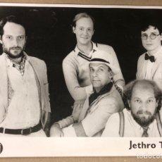 Fotos de Cantantes: JETHRO TULL. FOTOGRAFÍA PROMOCIONAL EN B/N.. Lote 216397968