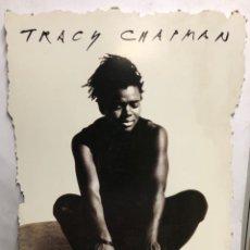 "Fotos de Cantantes: TRACY CHAPMAN ""CROSSROADS"" (1989). CARTEL PROMOCIONAL DEL ÁLBUM. DE CARTÓN.. Lote 216931676"