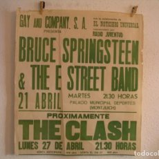 Fotos de Cantores: BRUCE SPRINGSTEEN THE CLASH CARTEL ORIGINAL BARCELONA 1981 GIRA TOUR 81X71 RECORTADO. Lote 218907941