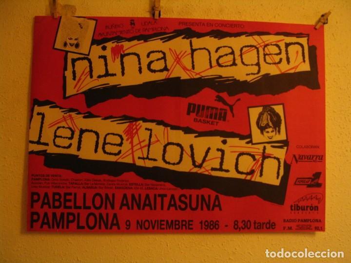 NINA HAGEN & LENE LOVICH CARTEL ORIGINAL PAMPLONA GIRA 1986 TOUR 62X87 (Música - Fotos y Postales de Cantantes)