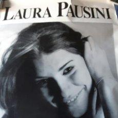 Fotos de Cantantes: LAURA PAUSINI - LAS COSAS QUE VIVES - POSTER MEDIANO - BUEN ESTADO - NO USO CORREOS. Lote 229722905