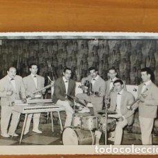 Fotos de Cantantes: ANTIGUA FOTOGRAFIA GRUPO CONJUNTO MUSICAL. 12X17 CMS. PORT-VENDRES CATALUNYA NORD. Lote 235230510