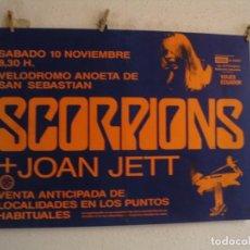 Fotos de Cantantes: SCORPIONS + JOAN JETT CARTEL ORIGINAL SAN SEBASTIAN 1984 GIRA TOUR 63X87. Lote 235496235