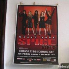 Fotos de Cantantes: SPICE GIRLS CARTEL ORIGINAL GIGANTE MADRID 2007 GIRA TOUR 130X90. Lote 235498425