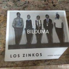 Fotos de Cantantes: LOS ZINKOS POSTAL PROMOCIONAL AÑOS 60. Lote 236046505