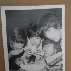 Fotos de Cantantes: THE BEATLES CROMO Nº 65 EDITORIAL BRUGUERA 1966 ORIGINAL NUEVO. Lote 236456340