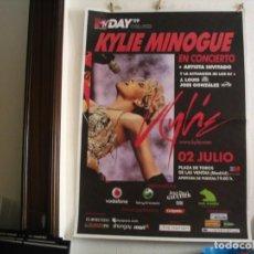 Fotos de Cantantes: KYLIE MINOGUE CARTEL ORIGINAL MADRID 2009 GIRA TOUR 140X100. Lote 236925565
