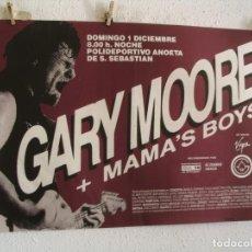 Fotos de Cantores: GARY MOORE + MAMA´S BOYS CARTEL ORIGINAL SAN SEBASTIAN 1985 GIRA TOUR 89X63. Lote 242320415