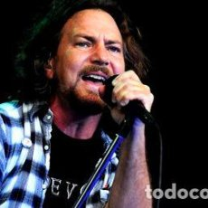 Fotos de Cantantes: POSTERS PEARL JAM EDDIE VEDDER AFICHES MUSICA 45X30 CM. Lote 255035055