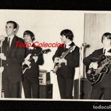 Fotos de Cantantes: LOS SHAKERS: BEATLES URUGUAY- FOTO ORIGINAL DE EPOCA ,1965- URUGUAY- PIEZA VINTAGE ORIGINAL POP ROCK. Lote 269420273