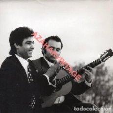 Fotos de Cantores: FLAMENCO , FOTOGRAFIA ORIGINAL DE PARRILLA DE JEREZ Y AGUJETAS,18X18 CMS. Lote 278868058