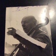 Fotos de Cantores: FOTOGRAFÍA 1966 PAU CASALS. Lote 290718213