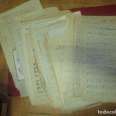 Partituras musicales: ANTIGUA CARPETA PARTITURAS MANUSCRITAS ALGUNAS POR ROCAMORA GUITARRA Y LIBRETA MUSICAL MANSCRITA. Lote 61948336