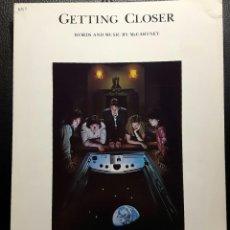 Partituras musicales: PAUL MCCARTNEY - BEATLES - WINGS - GETTING CLOSER - HOJA DE PARTITURAS - 1979 - USA - NO CORREOS. Lote 184444105