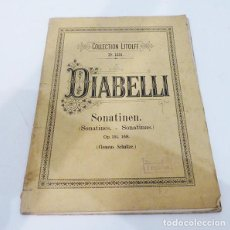 Partituras musicales: LIBRO DE PARTITURAS. Lote 185995418