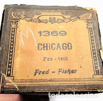 PARTITURA Nº 1369 CHICAGO FOX-TROT DE FRED-FISHER, PARA GRAMOLA MARCA DIANA EN BUEN ESTADO (Música - Partituras Musicales Antiguas)