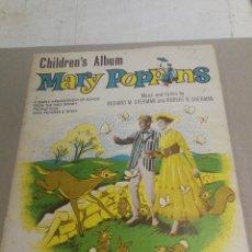 Partituras musicales: EL ÁLBUM INFANTIL DE MARY POPPINS: UN ARREGLO SIMPLE DE CANCIONES WALT DISNEY, PARTITURAS 1966. Lote 233589290