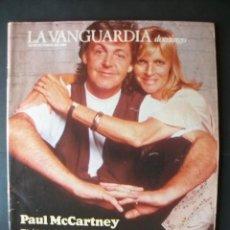Revistas de música: REVISTA ESPAÑOLA LA VANGUARDIA PAUL MCCARTNEY BEATLES. Lote 103630908