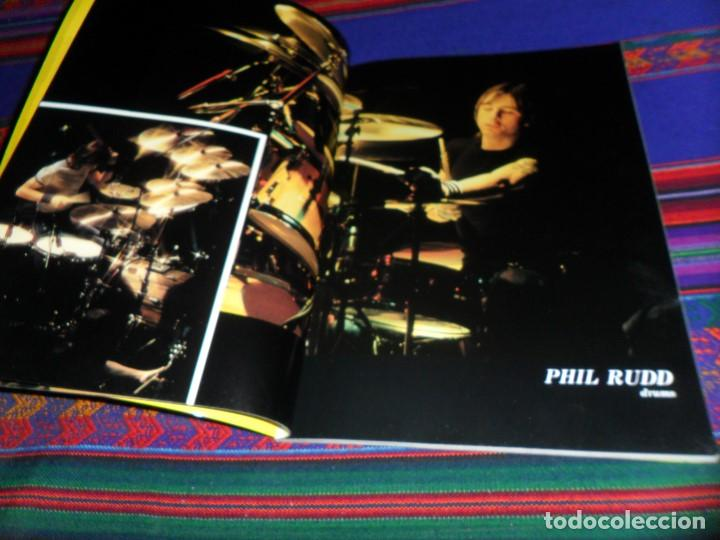 Revistas de música: EN INGLÉS. AC DC AC/DC HEAVY METAL PHOTO BOOK. OMNIBUS PRESS 1983. 128 PGNS ALUCINANTES. - Foto 6 - 104617831
