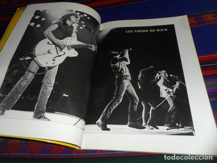 Revistas de música: EN INGLÉS. AC DC AC/DC HEAVY METAL PHOTO BOOK. OMNIBUS PRESS 1983. 128 PGNS ALUCINANTES. - Foto 8 - 104617831