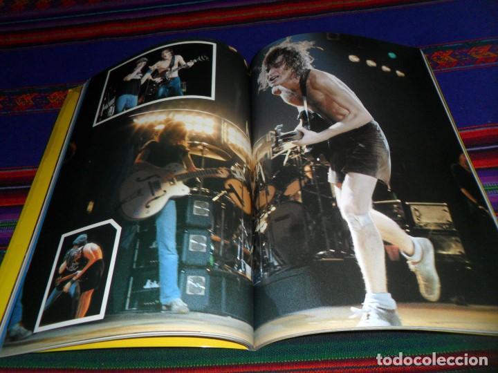 Revistas de música: EN INGLÉS. AC DC AC/DC HEAVY METAL PHOTO BOOK. OMNIBUS PRESS 1983. 128 PGNS ALUCINANTES. - Foto 11 - 104617831