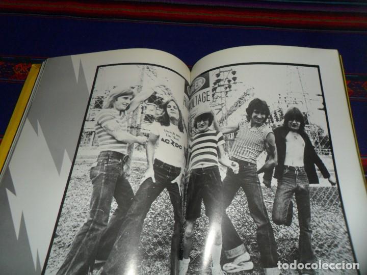 Revistas de música: EN INGLÉS. AC DC AC/DC HEAVY METAL PHOTO BOOK. OMNIBUS PRESS 1983. 128 PGNS ALUCINANTES. - Foto 13 - 104617831