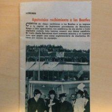 Revistas de música: BEATLES - CLIP NOTICIA LLEGADA DE THE BEATLES A LONDRES EL 04.07.65. Lote 117482979