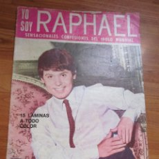 Revistas de música: REVISTA DE IMPORTACION DE RAPHAEL , POSTER HOJA CENTRAL VER FOTOS. Lote 173488853