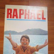 Revistas de música: RAPHAEL GUIA DE LA PELICULA EL GOLFO , FOTOS DE TODAS LAS HOJAS. Lote 173488905