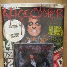 Revistas de música: CLASSIC ROCK ESPECIAL: ALICE COOPER !!!!+ CD+METAL PIN BADGE+FACE MASK +POSTER. Lote 212403075