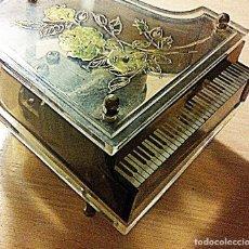 Revistas de música: PIANO MUSICAL A CUERDA ANTIGUO.. Lote 214054065