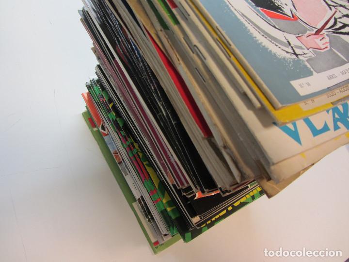 Revistas de música: Lote de 90 revistas Txistulari. Incluye índice. Partituras para Txistu. Años 60-90. 4€ unidad. - Foto 3 - 217089888