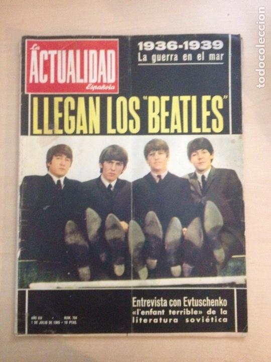 BEATLES - LA ACTUALIDAD ESPAÑOLA NUM. 704 - CLAUDIA CARDINALE (Música - Revistas, Manuales y Cursos)