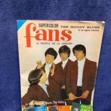 Revistas de música: REVISTA FANS Nº17 AÑO I 1965 POSTER THE MOODY BLUES ROCIO DURCAL SANTI CARULLA 29,5X21CMS. Lote 294384038
