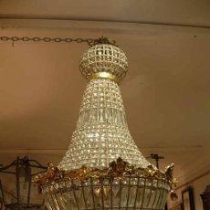 Nuevo: SENSACIONAL LAMPARA DE CRISTALES Y BRONCE DORADO ALTURA 90 CM.. Lote 159827298