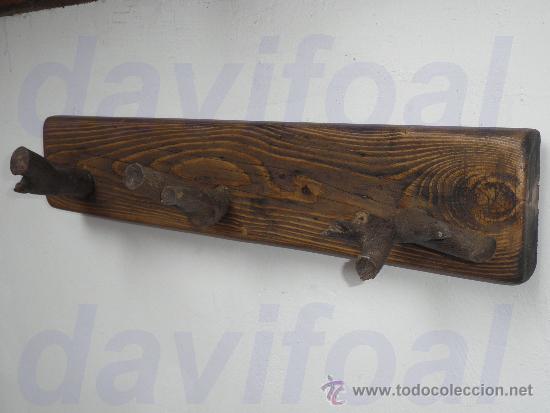 Perchero rustico de madera naranjo con 3 colgad comprar - Percheros de madera ...