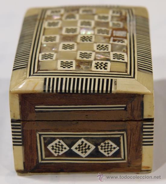 Nuevo: Cajita de hueso, nácar y madera. Taracea. Interior forrado con tela. - Foto 3 - 41752307