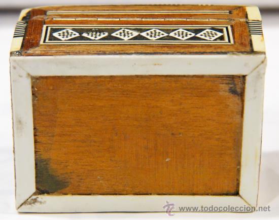 Nuevo: Cajita de hueso, nácar y madera. Taracea. Interior forrado con tela. - Foto 4 - 41752307