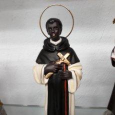 Nuevo: IMAGEN DE SAN MARTIN DE PORRES DE 20 CM DE PASTA DE MADERA, PINTADO A MANO Y CON LOS OJOS DE CRISTAL. Lote 30020412
