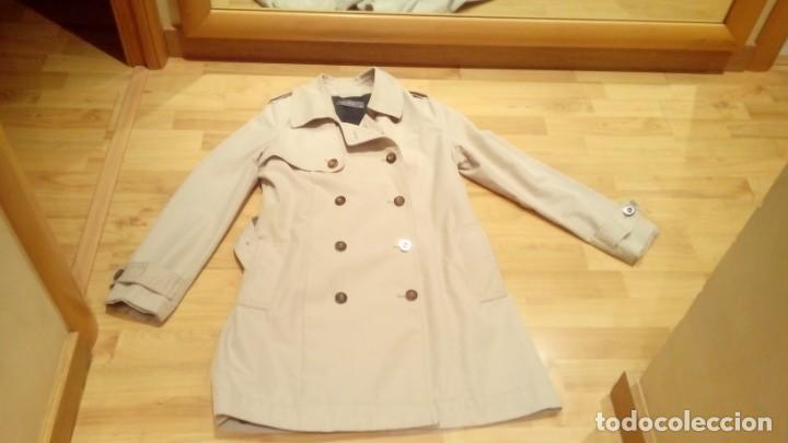 Nuevo: Gabardina de mujer Easy Wear básica con cinturón · - Foto 4 - 191846717