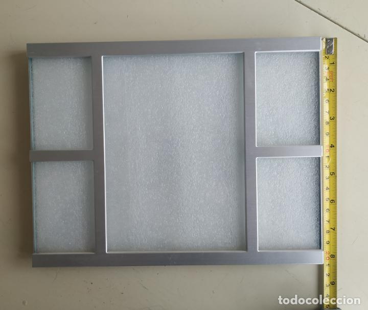 Nuevo: Original marco de fotos metálico, color plateado. Con trasera forrada de terciopelo.19,9 x 25,8 cm. - Foto 5 - 194311965