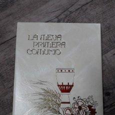 Nuevo: LIBRO DE LA PRIMERA COMUNIÓN (EN CATALÁN). Lote 195259321